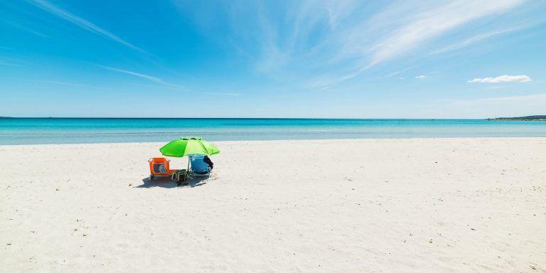 Vacanze a budoni sardegna avitur tour operator for Sardegna budoni spiagge